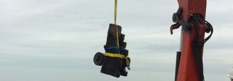 17th-century HMS London gun carriage lifted from Southend seabed