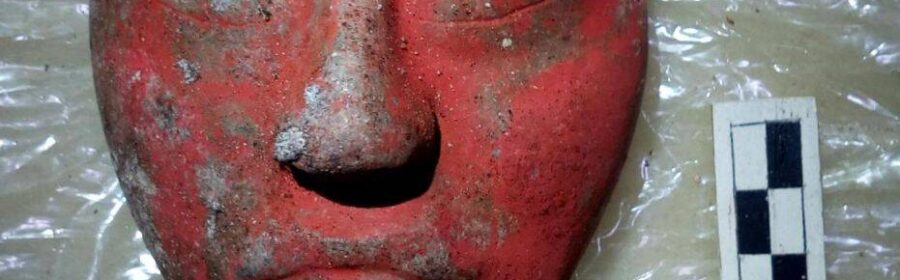 """The tomb of Mayan """"God-King"""" discovered in Guatemala, his status determined by the carved jade mask"""
