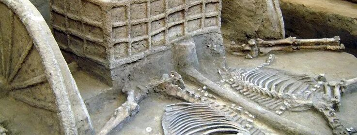 Ancient Tomb Full of 'Soup Bowls' & Food Vessels Discovered in China