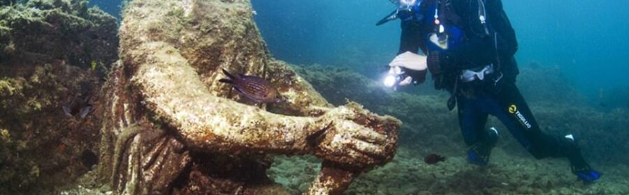 Sunken Roman city now lies beneath the waves off of Italy