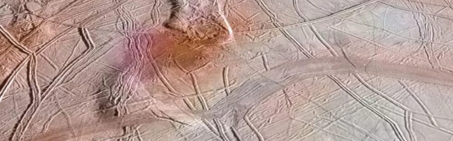"""Leading Astronomer Says """"Higher Forms"""" of Alien Life on Jupiter's Moon Europa"""